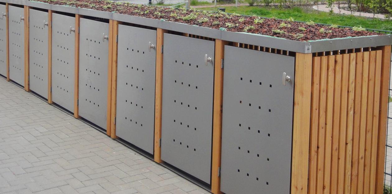 Mülltonnenboxen auf Steinplatten-Fundament