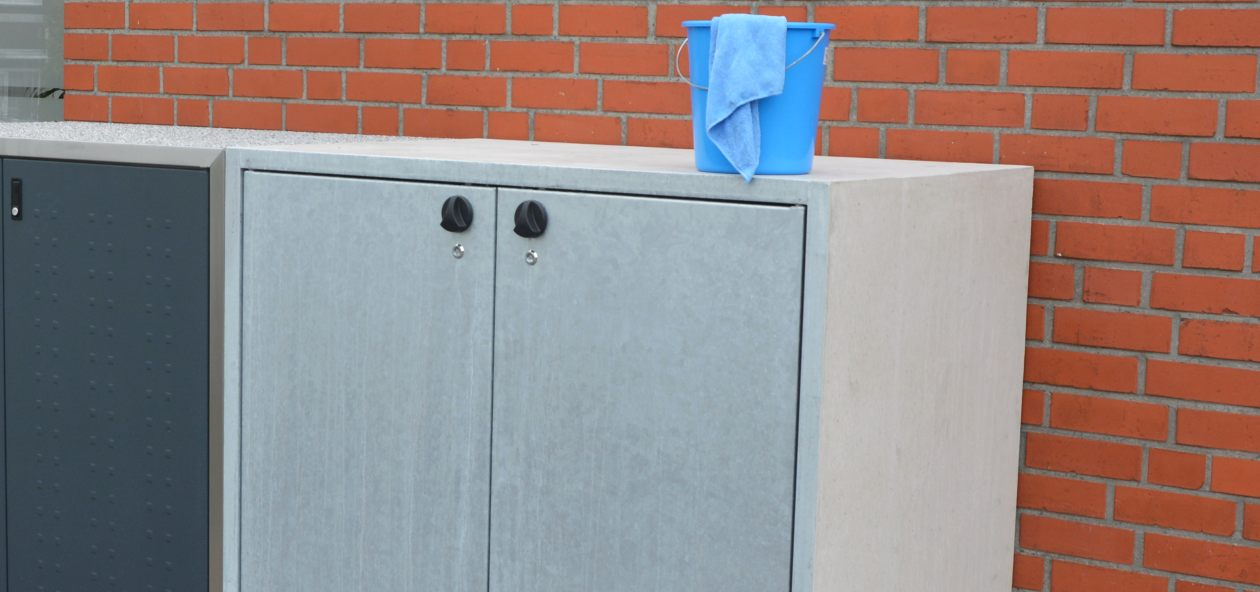 Mülltonnenbox aus Beton mit Putzeimer - RESORTI