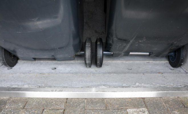 Kippaussparung bei Mülltonnenboxen - RESORTI Mülltonnenboxenratgeber (c) 2016 RESORTI