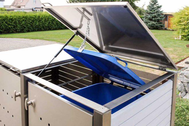 Klappdach mit Gasdruckdämpfer bei einer Mülltonnenbox aus Edelstahl - RESORTI Mülltonnenboxenratgeber (c) 2016 RESORTI